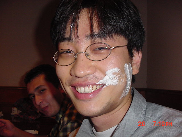 26-activities-Cake-in-face-birthday