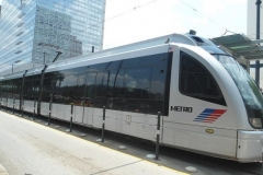 13-houston-Metro-rail-train