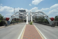 34-houston-Bridge-over-freeway